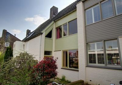 Veulenerbank 28 in Maastricht 6213 JT