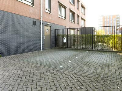 Slagveld 216 in Zwijndrecht 3332 BN
