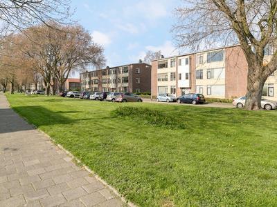 Koninginneweg 77 in Ridderkerk 2982 AH
