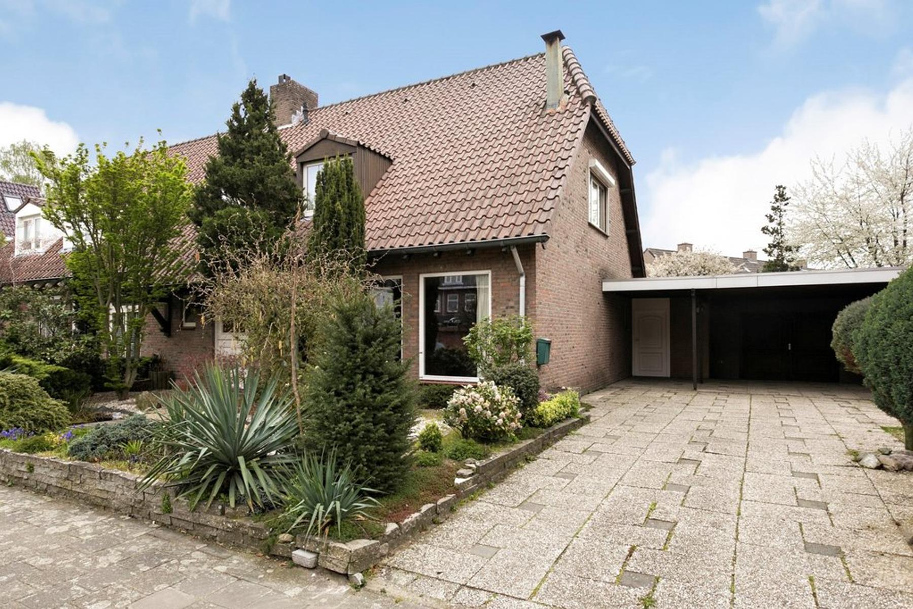 Hofstraat 18 in Valkenswaard 5554 EB