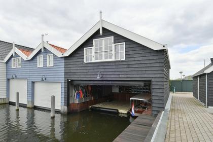 De Pier 4 in Huizen 1271 EK