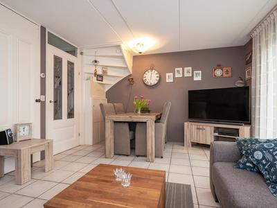 Februaristraat 111 in Almere 1335 AN