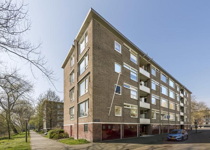 Beethovenstraat 127 1 in Amsterdam 1077 JA