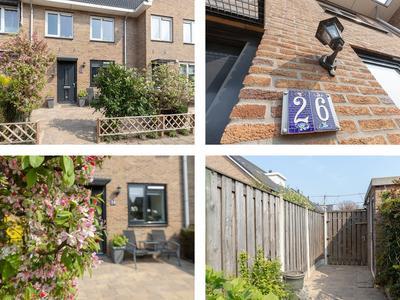 Buitendijkweide 26 in Hellevoetsluis 3223 NJ
