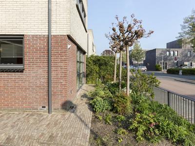 Wechelerveld 17 in Nieuw-Vennep 2151 JA