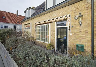 Gasthuisplein 12 in Zandvoort 2042 JM