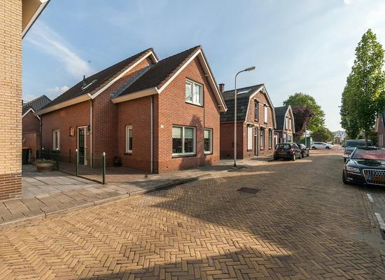 Schoolstraat 13 A in Rijssen 7461 EG