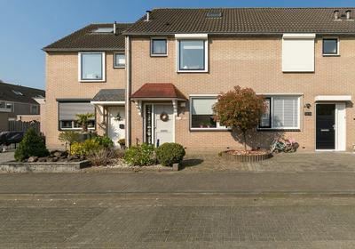 Goudplevier 25 in IJsselmuiden 8271 GD