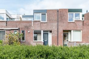 Middenhof 234 in Almere 1354 EX