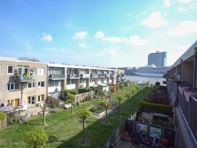 Smederij 42 in Amsterdam 1021 NG