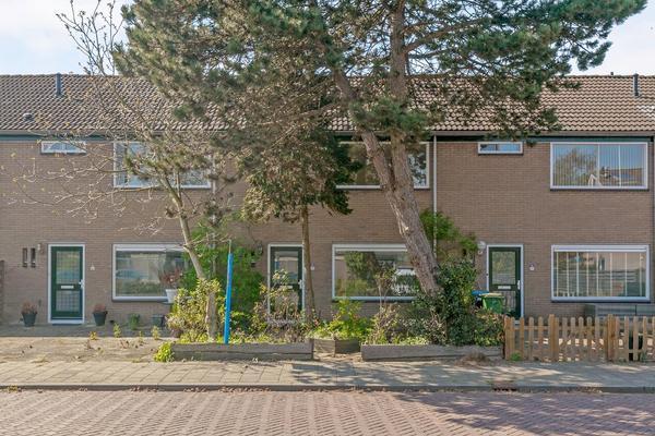 Karveel 15 45 in Lelystad 8231 AV