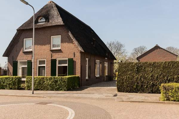 Hoogstraat 15 in Macharen 5367 AA