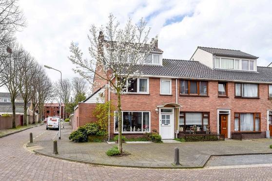 Laan Van Kanaan 60 +Garage in Beverwijk 1944 RS