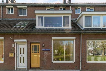 Hogeweg 19 in Spijkenisse 3208 CL