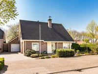 Kapitein H. Van Der Maadenstraat 16 in Wijk En Aalburg 4261 LB