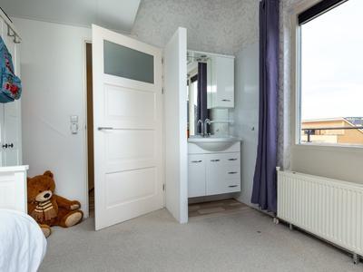 Laan Van Loevestein 34 in Nieuw-Vennep 2151 EB