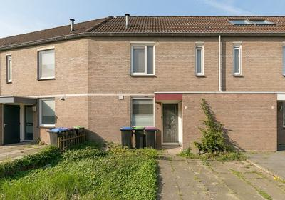 Van Hogendorpstraat 9 in Spijkenisse 3201 WD