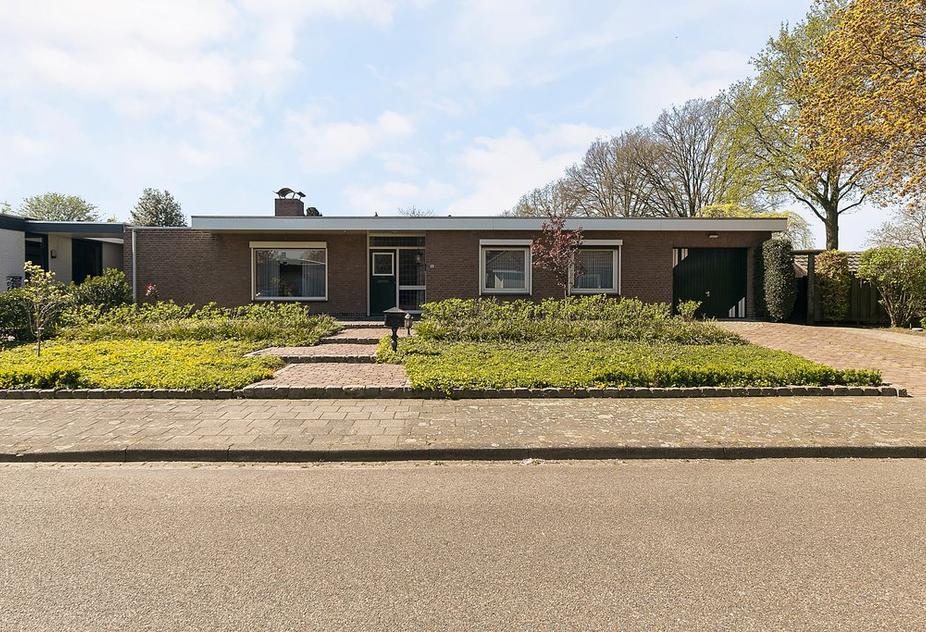 Pr. Bernhardstraat 57 in Horst 5961 BT