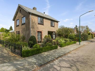 Jan Van Rixtelstraat 1 in Aarle-Rixtel 5735 GA