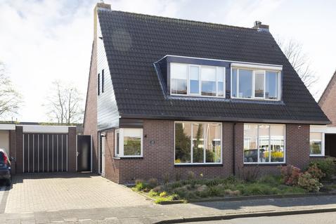 Pluutstraat 22 in Elburg 8081 MA