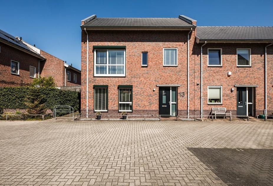 Gerrit Th. Rotmanlaan 13 in Almere 1336 AP