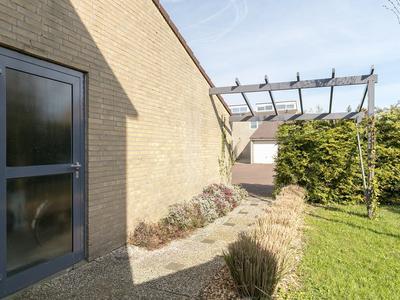 Ereprijs 27 in Leeuwarden 8935 JA