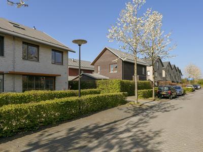 Abraham Teerlinkstraat 19 in Deventer 7424 DL