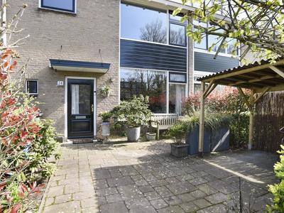Van Montfoortlaan 24 in Wassenaar 2241 JK