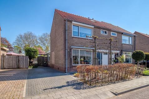 Anna Paulownastraat 14 in Geldermalsen 4191 GK