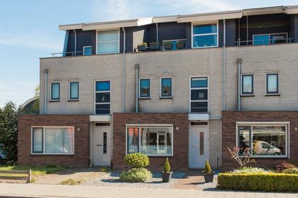 Nieuweweg 130 in Veenendaal 3905 LR