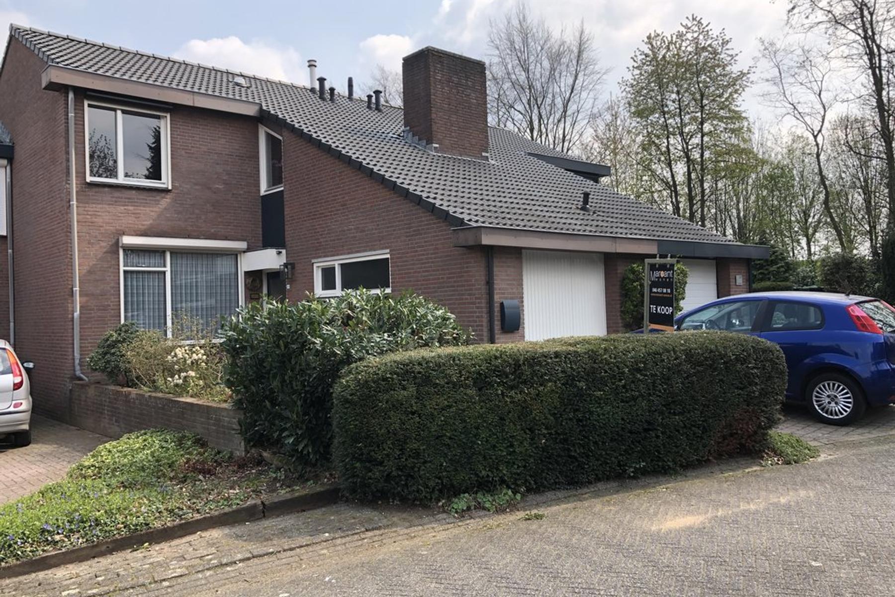 Brikkebekker 103 in Landgraaf 6372 DW