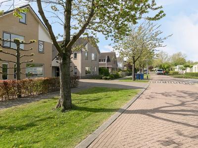 Samuel Esmeijerstraat 22 in Almere 1318 CB