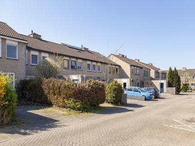 Prof. K. Schilderhof 49 in Kampen 8264 BM