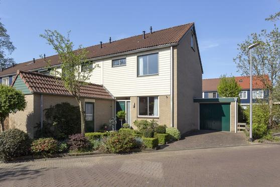 Stokebrand 381 in Zutphen 7206 EX