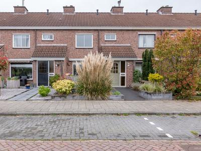 Genemuidenstraat 11 in Emmeloord 8304 GD