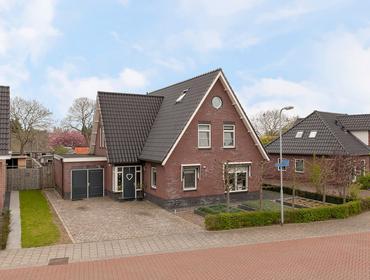 Lijsterbesstraat 68 in Millingen Aan De Rijn 6566 WC