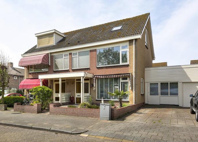 Burgemeester Rothestraat 3 in Wijk Aan Zee 1949 CB