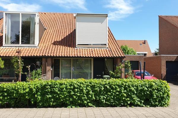 Rietlaan 14 in Zeewolde 3893 GL