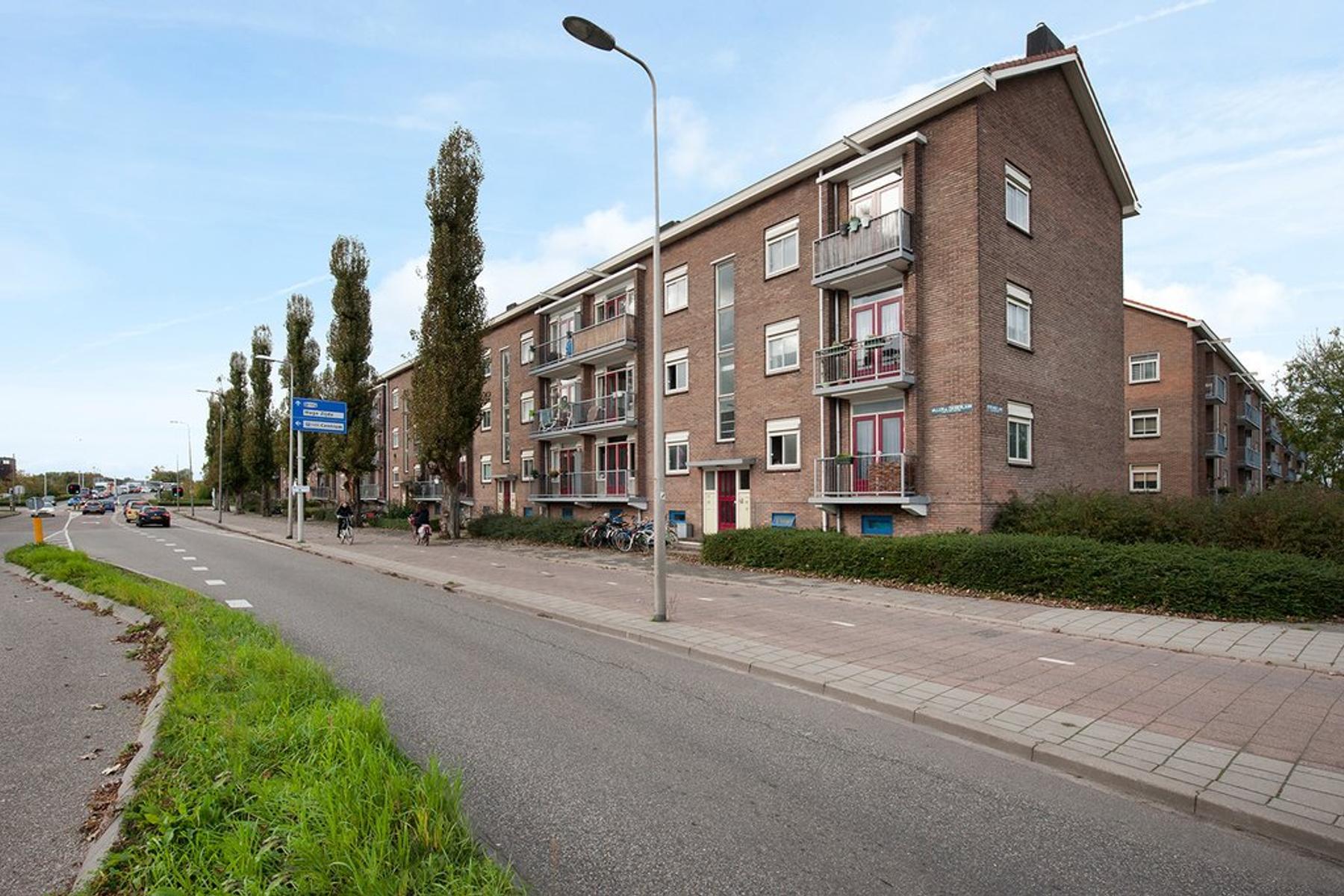 Willem De Zwijgerlaan 32 in Alphen Aan Den Rijn 2406 HD