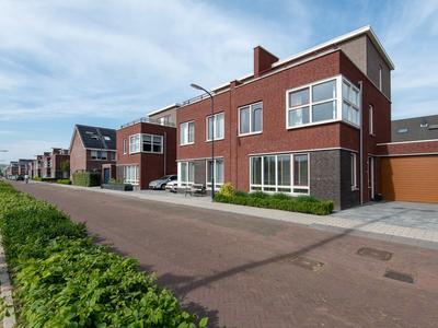 Binnenbaan 11 in Gorinchem 4206 WK