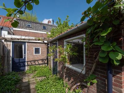 Oranje Nassaulaan 28 in Leerdam 4141 CR