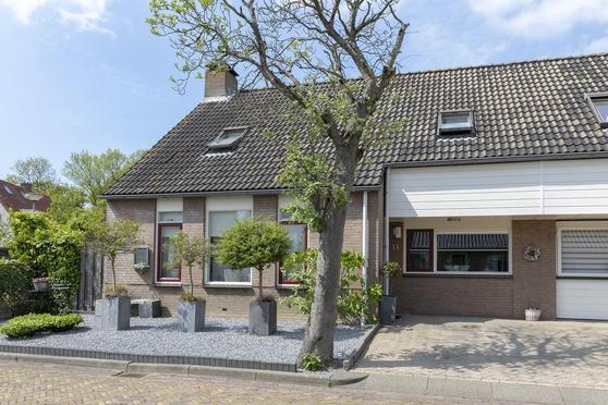 Folke Bernadottelaan 13 in Willemstad 4797 BK