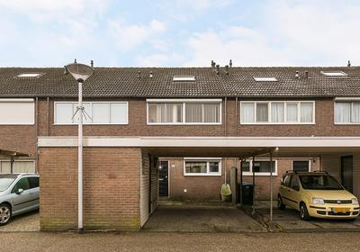 Basstraat 160 in Helmond 5702 SL