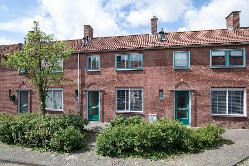 Pinksterbloemstraat 13 in Geertruidenberg 4931 EV