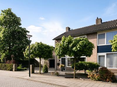 Antoon Van De Venstraat 25 in Son En Breugel 5691 CJ