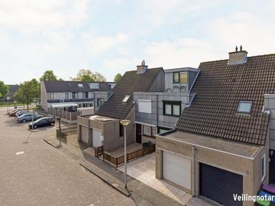 Wilhelmina Hofman-Pootstraat 5 in Spijkenisse 3207 DC