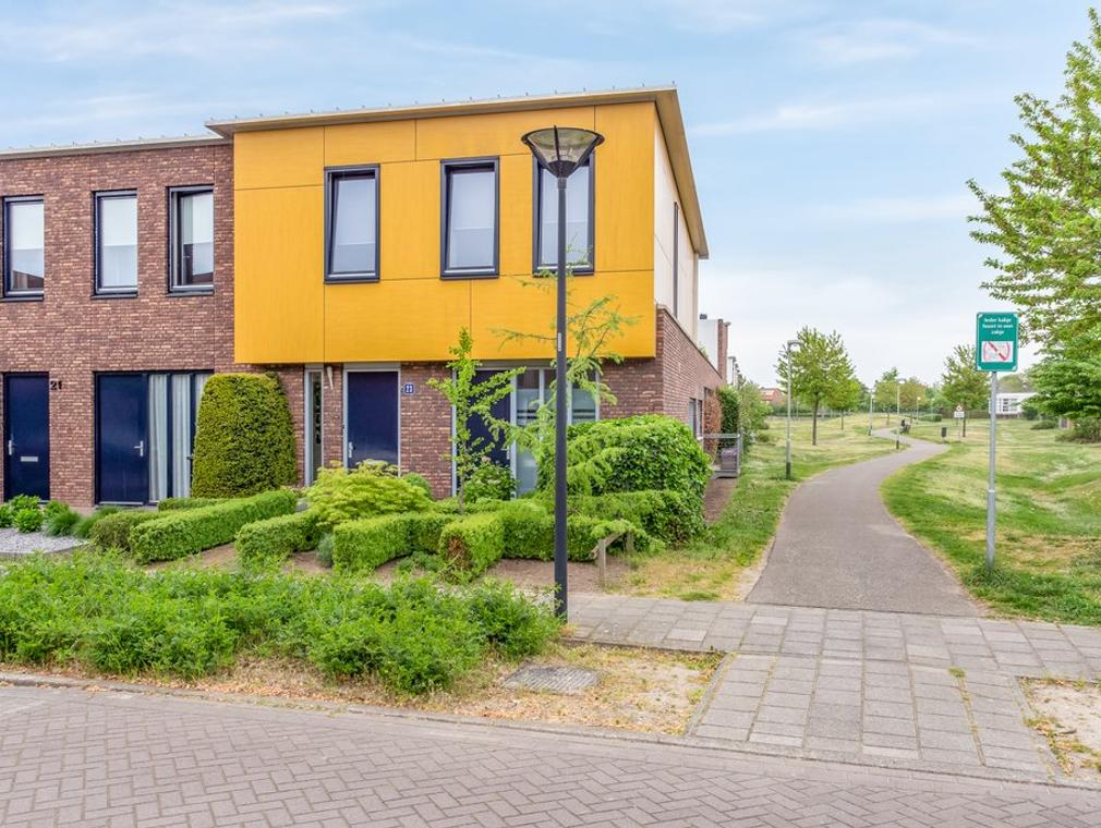 Snavelbies 23 in Reuver 5953 MR