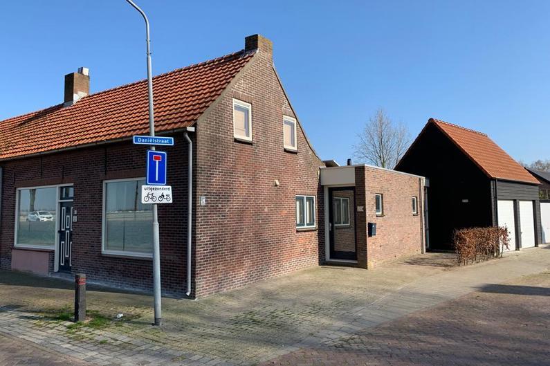 De Langeweg 60 in Langeweg 4771 RC