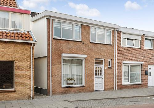 St Annastraat 25 in Oudenbosch 4731 HS