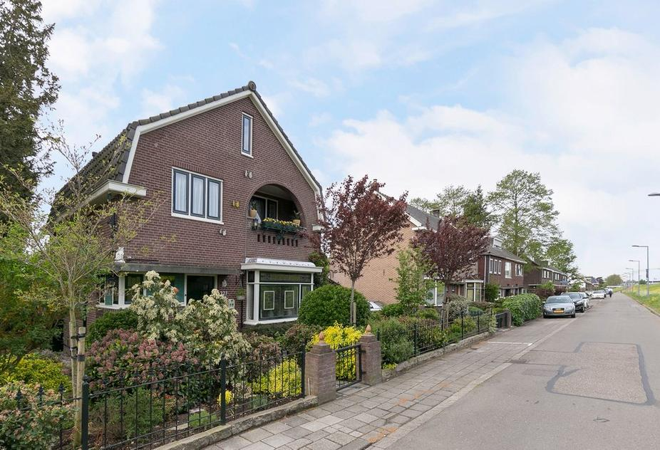 Benedenrijweg 327 in Rotterdam 3077 CG